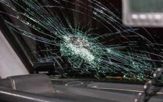 Как можно забронировать лобовое стекло автомобиля